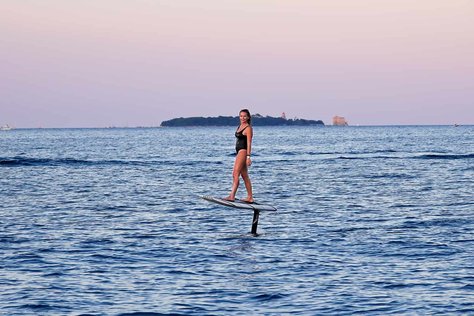 Lift hydrofoil to test in cannes